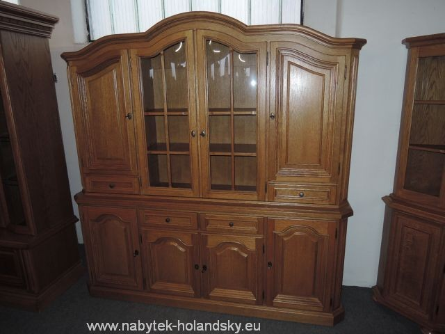 nábytek rustikální