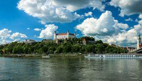 Hledáte příjemné ubytování v centru Bratislavy nebo Prahy?